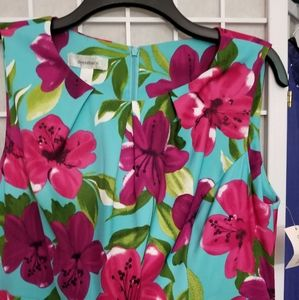 Floral print belted dress with front ruching, sz14